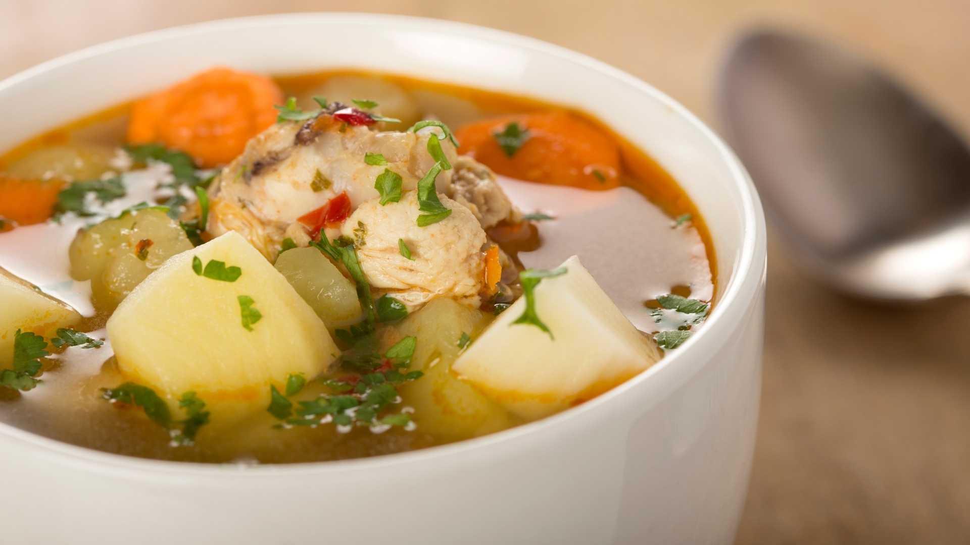 Receita Fit de Sopa de Frango