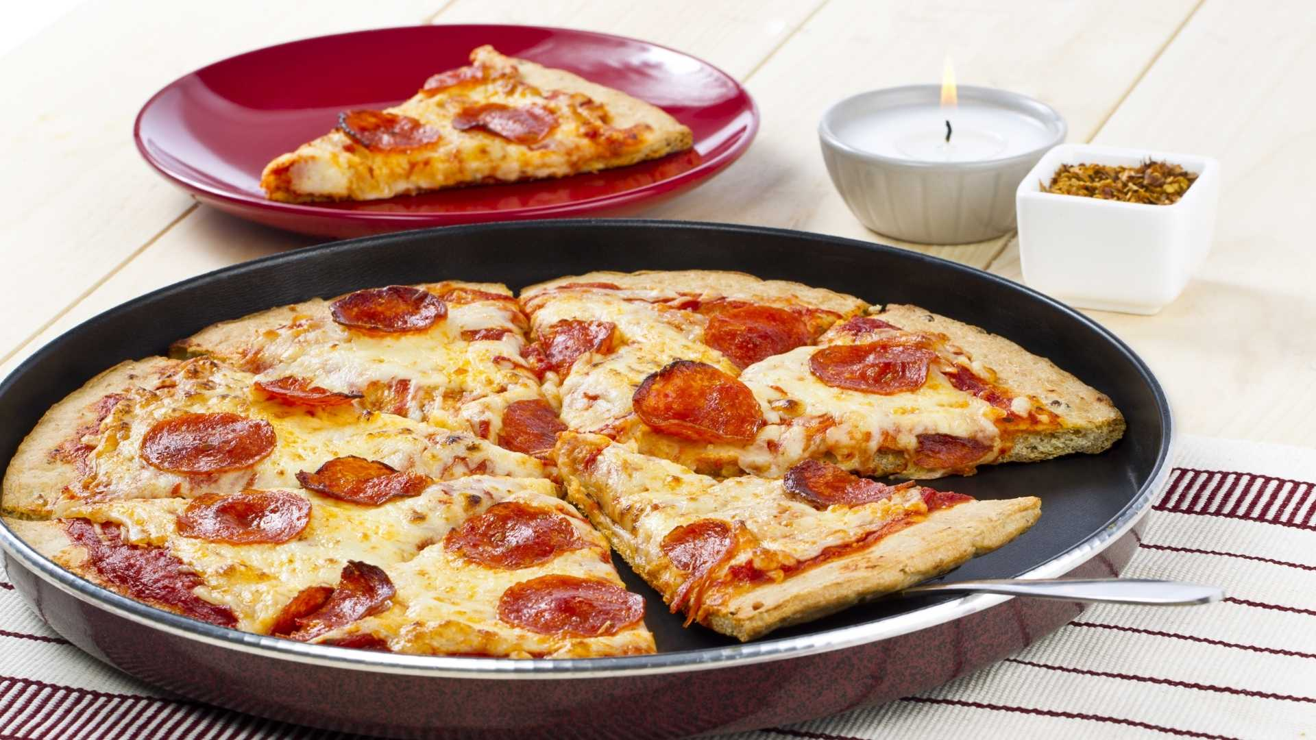 Pizza fit de omelete na frigideira