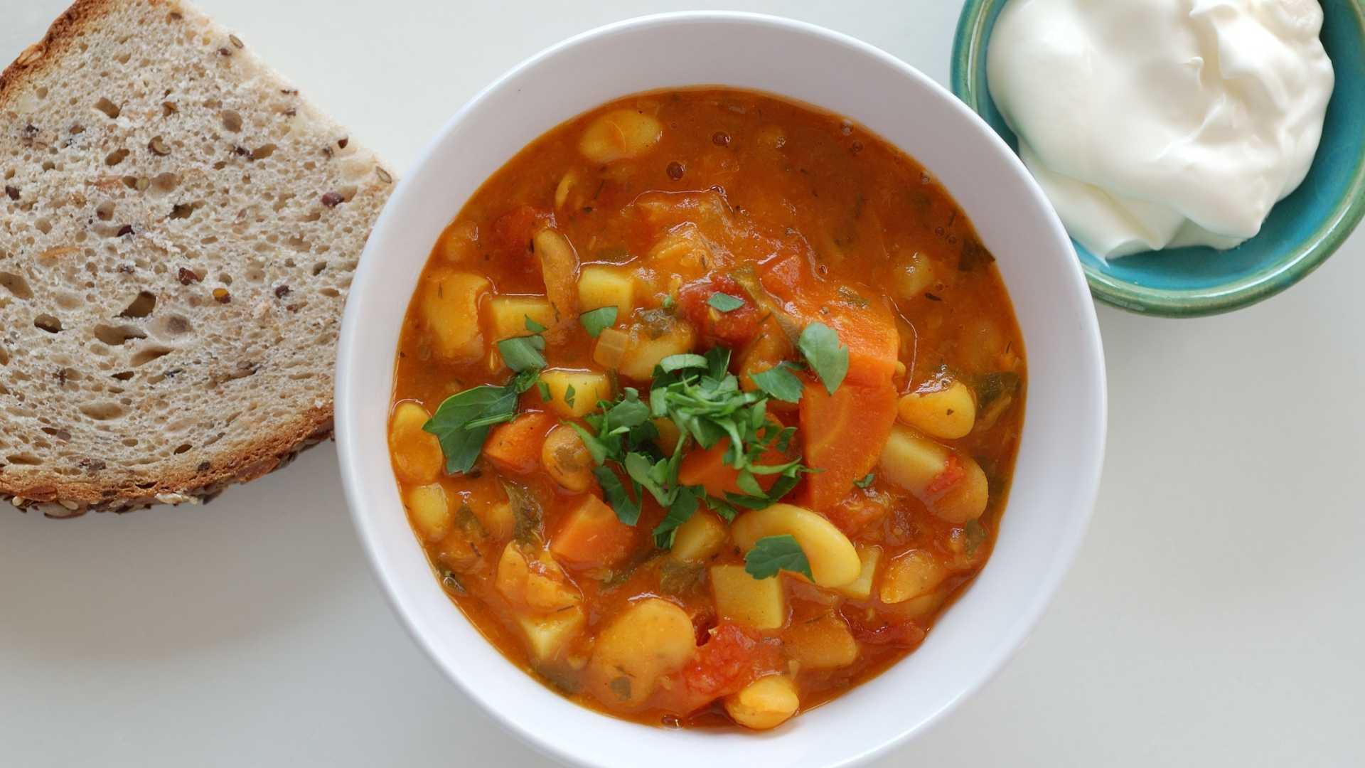 Sopa de feijão saudável