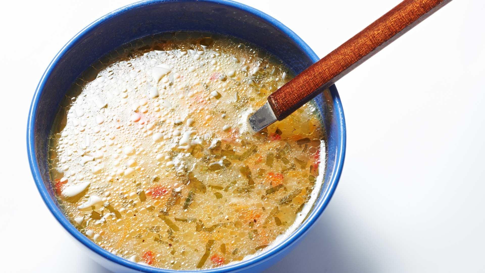 Receita de sopa Cremosa de Batata, Milho, Bacon e Aipo