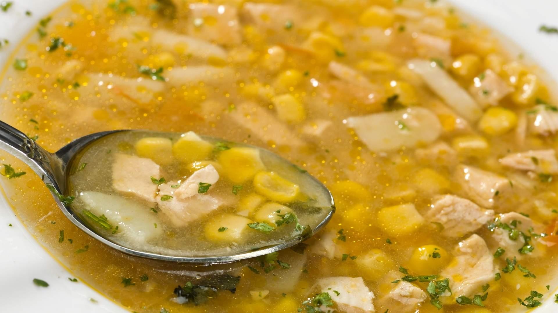 Receita de sopa cremosa de milho com frango
