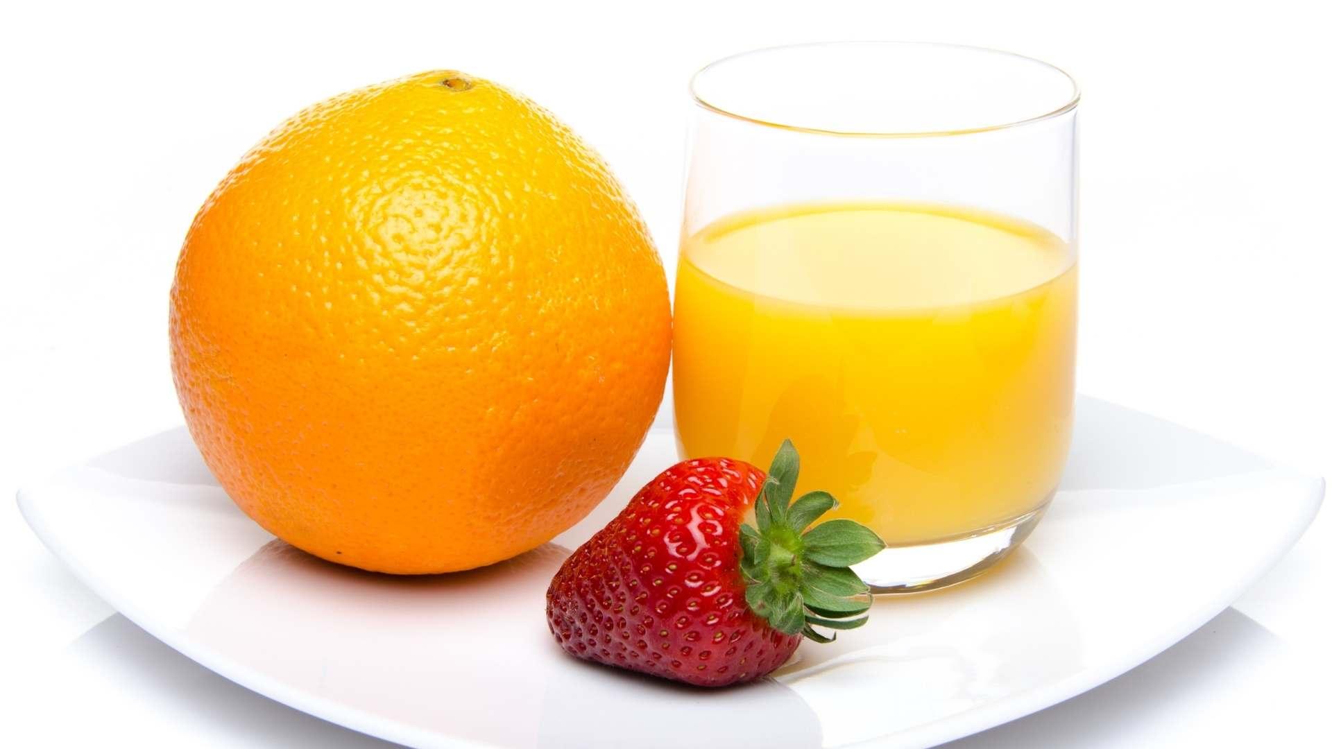 Receita de suco de laranja com morango