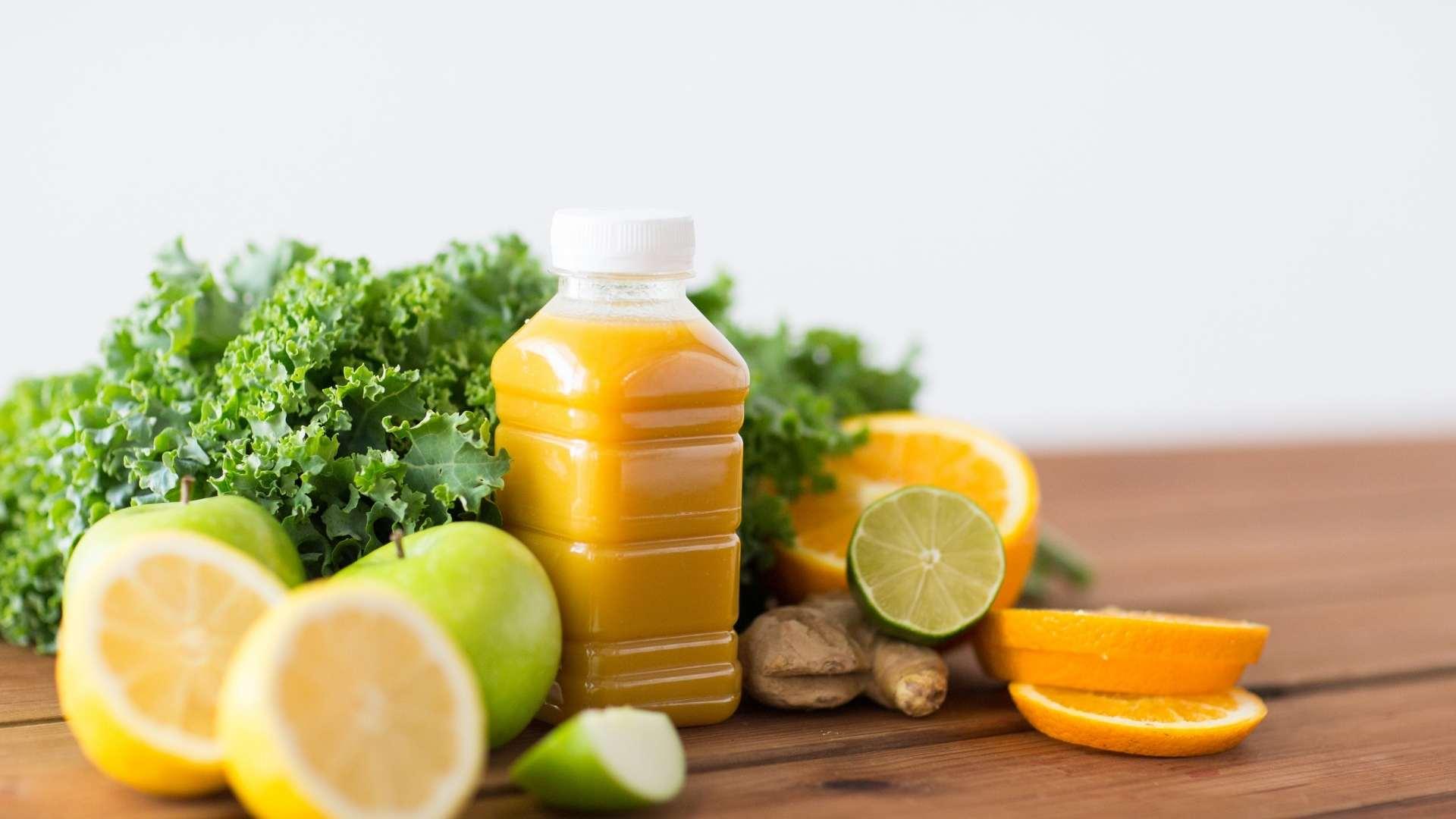 Receita de suco de limão com laranja e alface
