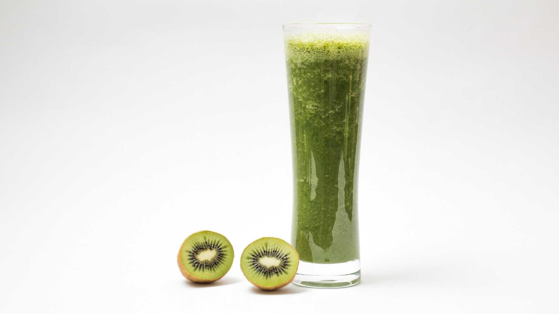 Receita de suco detox de Kiwi