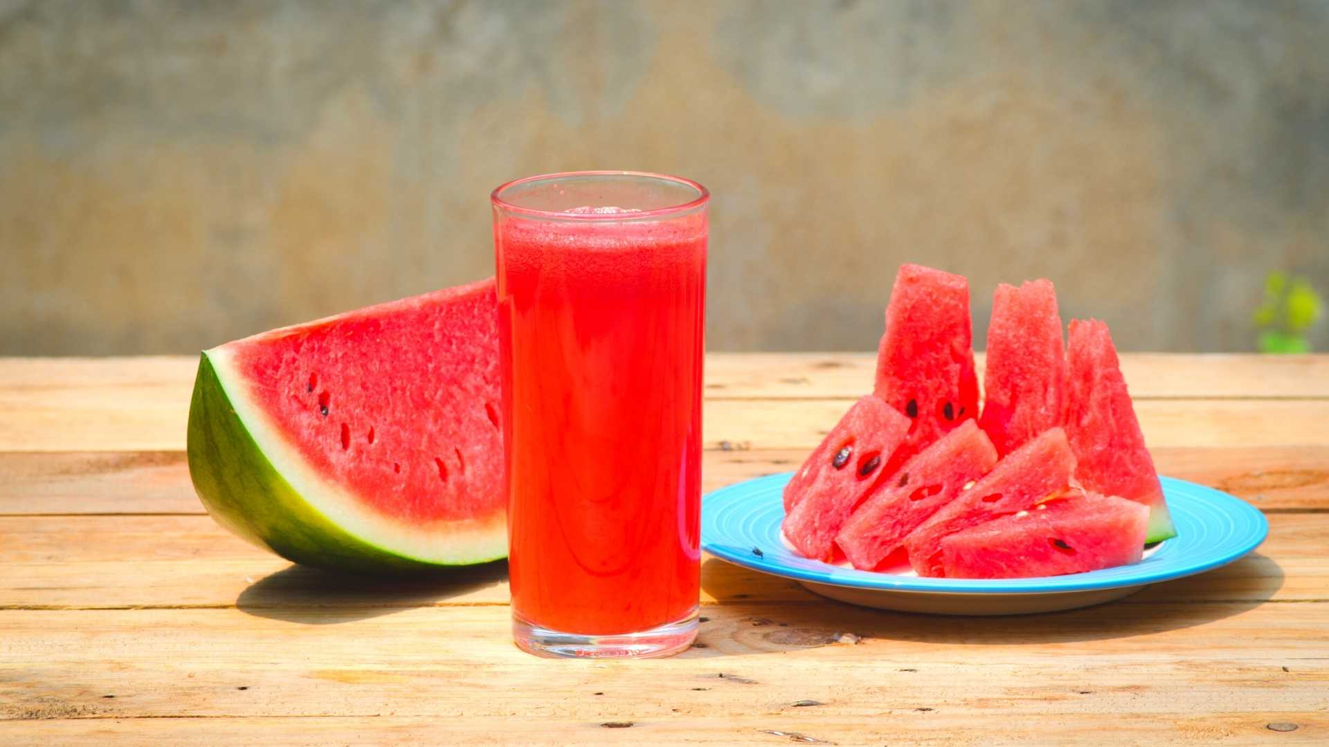 Receita de suco detox de melancia com linhaça