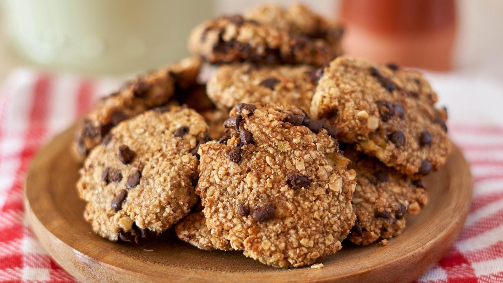Receita de Cookies de Banana com Aveia e Chocolate