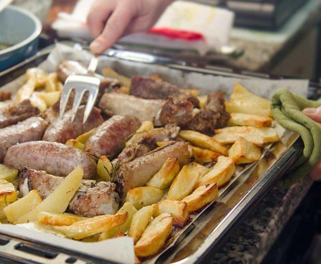 Receita de Línguiça de Forno com Batatas