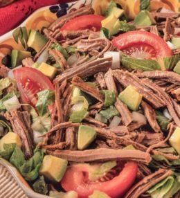 Receita de Salada de Carne Desfiada